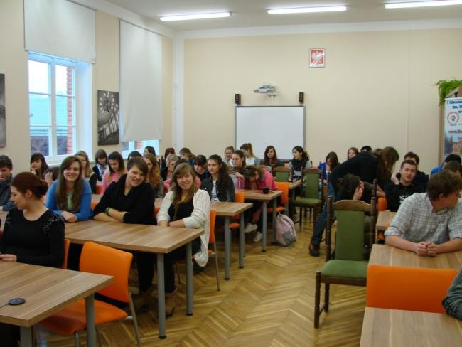 wyklad-1-uczniowie-przed-big.jpg